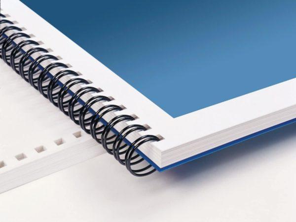 cahier relier avec la reliure wire o métallique